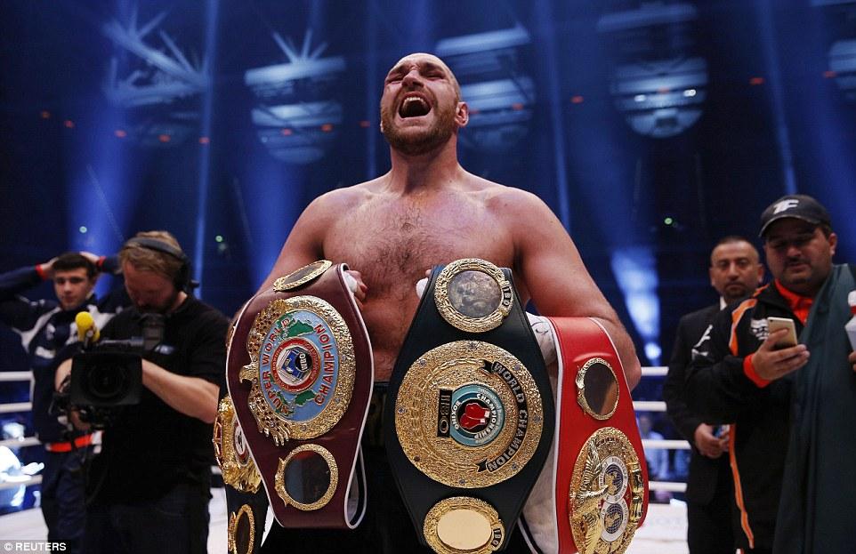 Вот он. Новый чемпион мира в супертяжёлом весе!