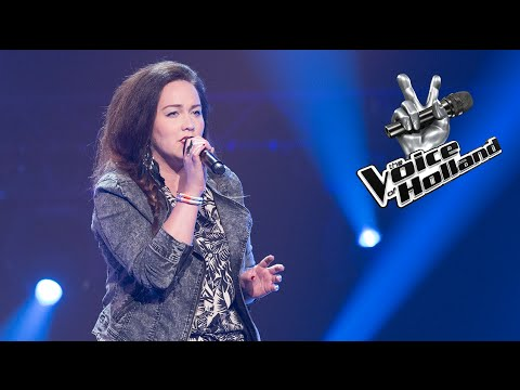 Fabiënne Lantinga - Purple Rain (The Blind Auditions | The voice of Holland 2015)